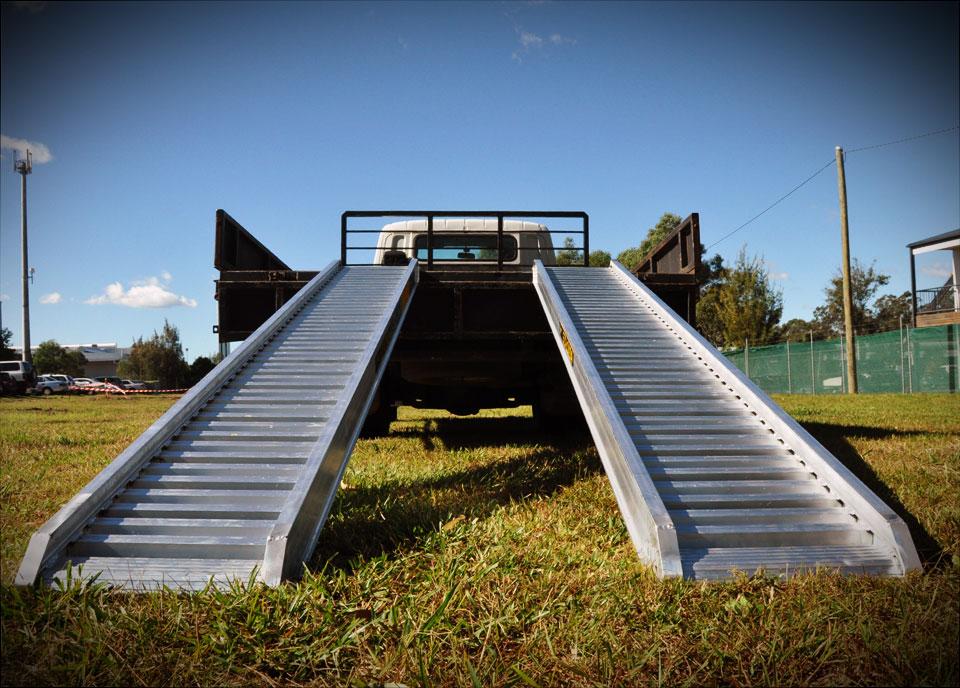 Low Car Ramps >> Aluminium Loading Ramps for Excavators, Skid Steers and ...