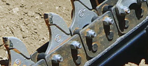 Hydrive trencher - Anti-back flex chain design - Digga Australia